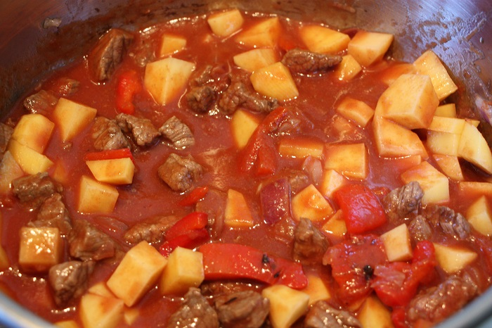 Goulasch cottura patate