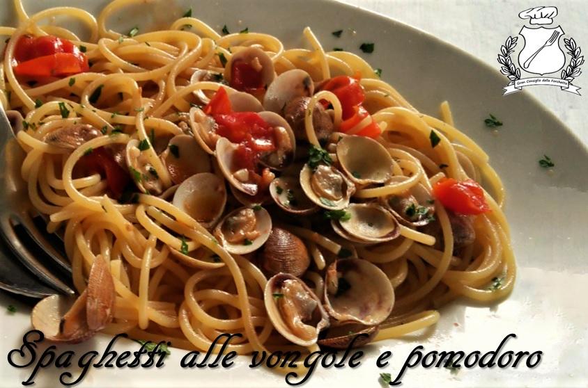 Spaghetti alle vongole e pomodoro