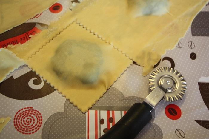 ravioli di cavolo nero pinoli pecorino e timo 08