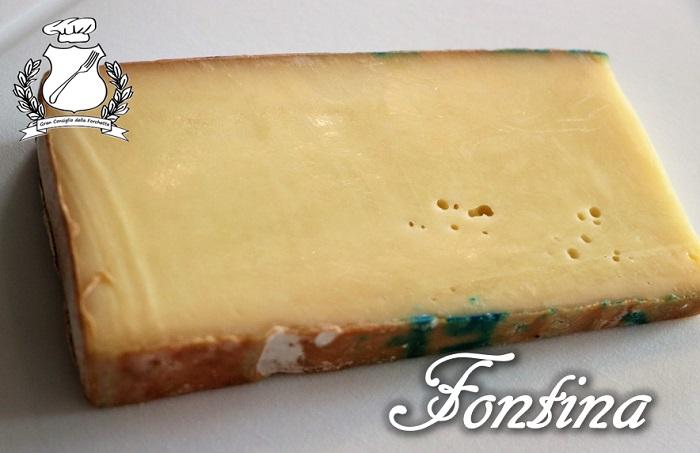 Fontina fetta di formaggio