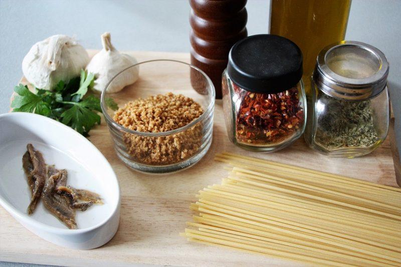 Spaghetti alla mollica ingredienti