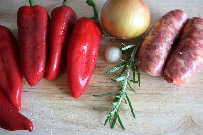 Peperoni corno rossi ripieni