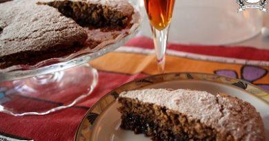 Torta saracena- schwarzplentene torte m