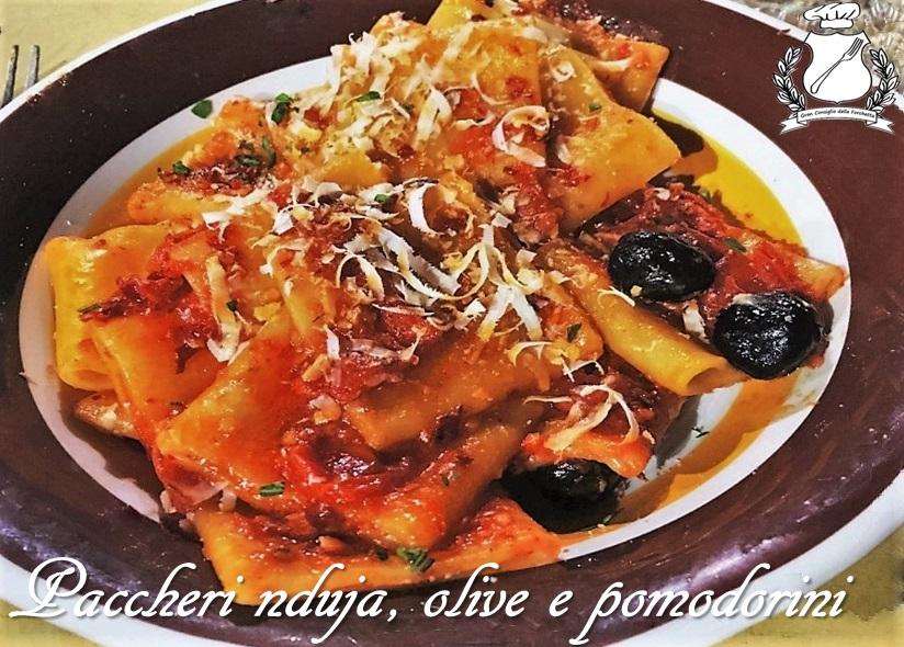 Paccheri nduja, olive e pomodorini