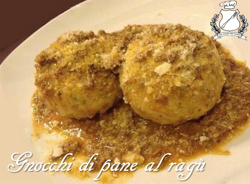Gnocchi di pane al ragu - Gnochi de Pan