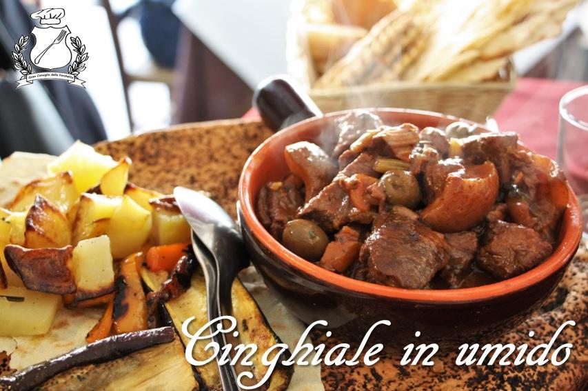 Cinghiale al cannonau con olive e ginepro