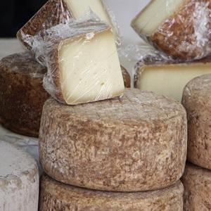 caprino dell'asporomonte formaggio m
