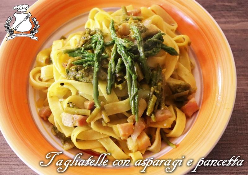 Tagliatelle con asparagi selvatici e pancetta