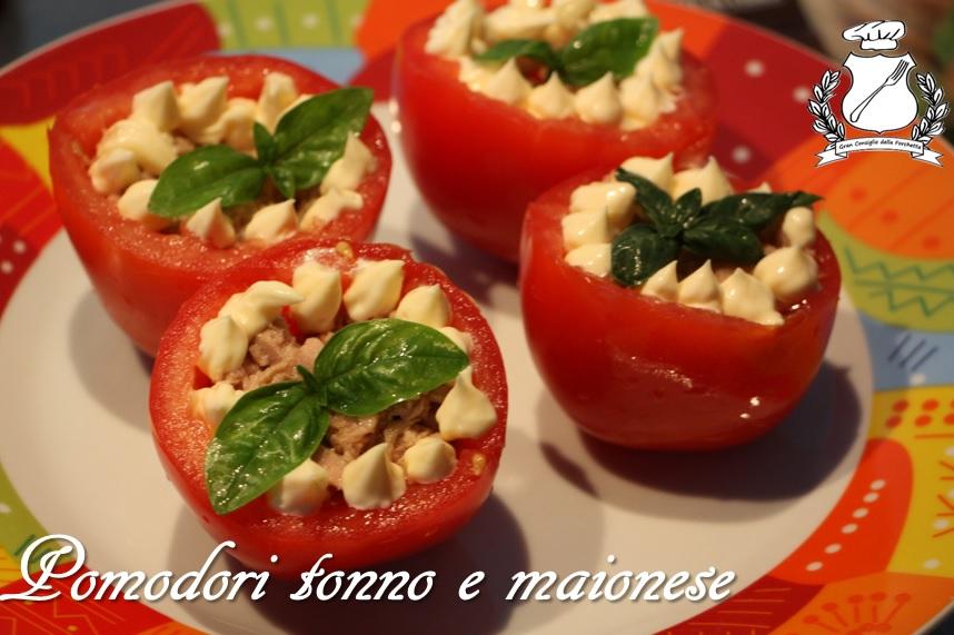 pomodori ripieni di tonno e maionese