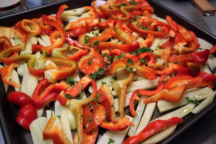 orata arrosto con patate e peperoni