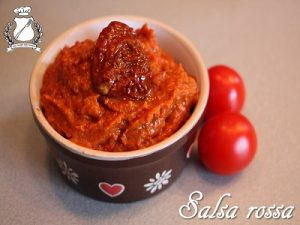 salsa rossa con pomodori secchi
