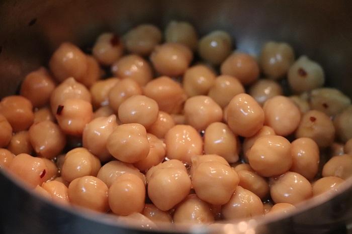 baccalà su ceci e peperoni cruschi 02