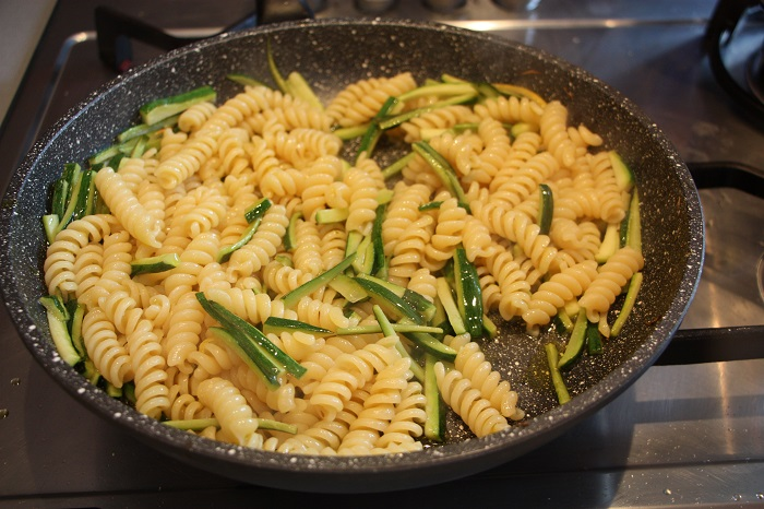 pasta mazzancolle e zucchine