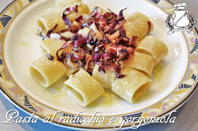 pasta al radicchio e gorgonzola
