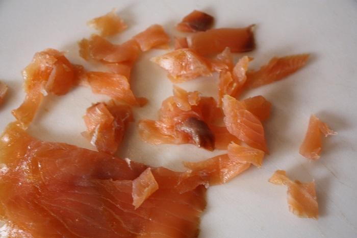 tagliatelle con salmone e peperoni verdi