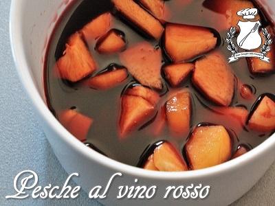 pesche al vino rosso