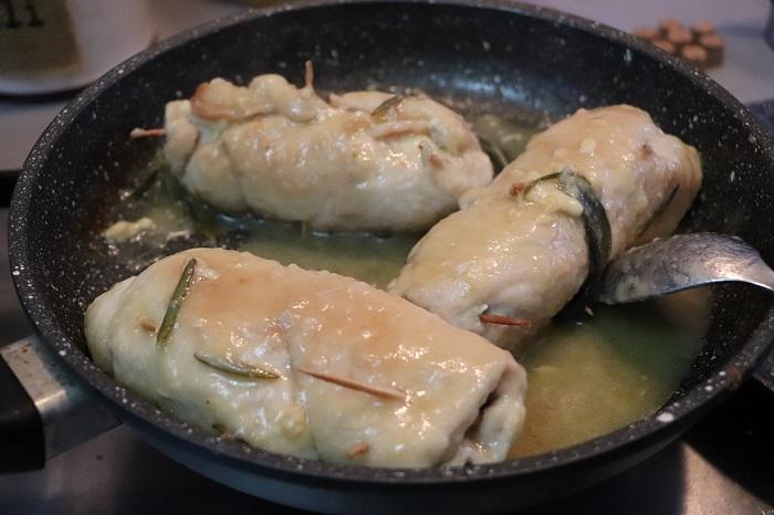 Rotolo di pollo con prosciutto e formaggio 08