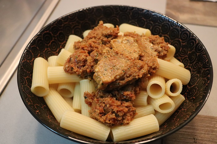 Pasta al pesto rosso alla siciliana