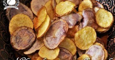 Chips di patate gialle e viola m