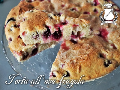 Torta all'uva fragola