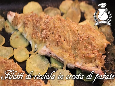 Filetti di ricciola in crosta di patate