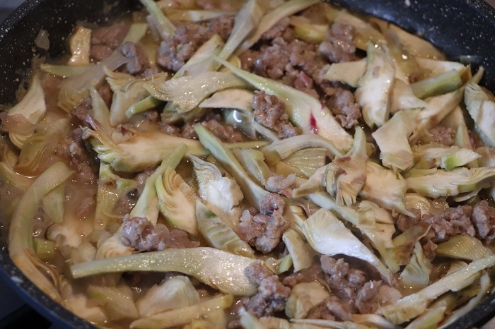Paccheri con carciofi e salsiccia 03