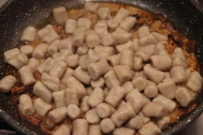 Gnocchi di castagne ai funghi porcini 06