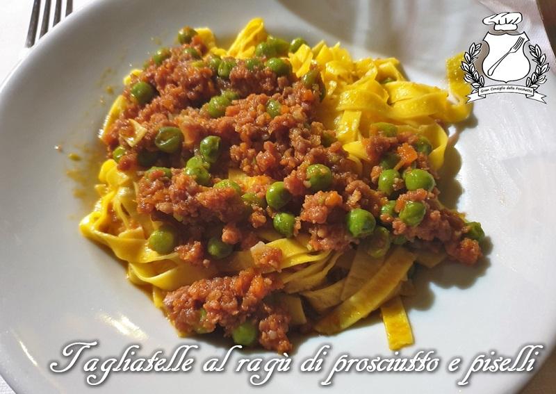 Tagliatelle al ragù di prosciutto e piselli - Trattoria La Tagliatella Modena