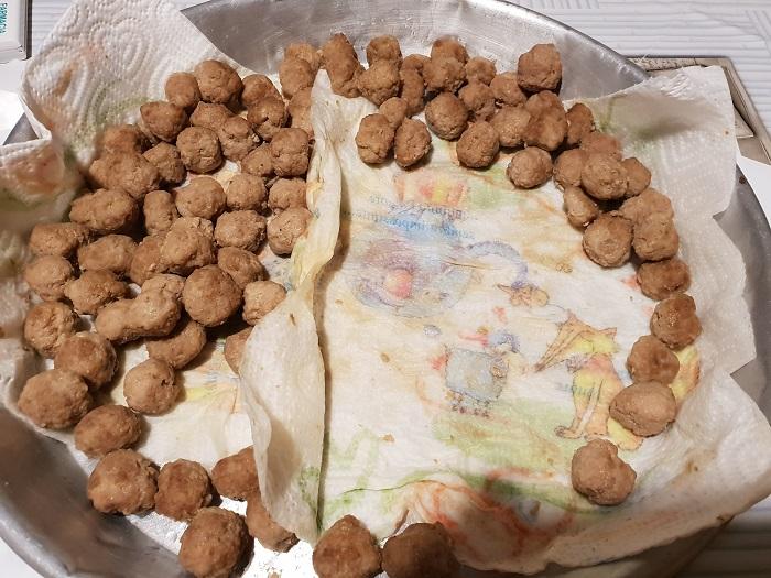 Lasagna napoletana 01 - preparazione delle polpettine