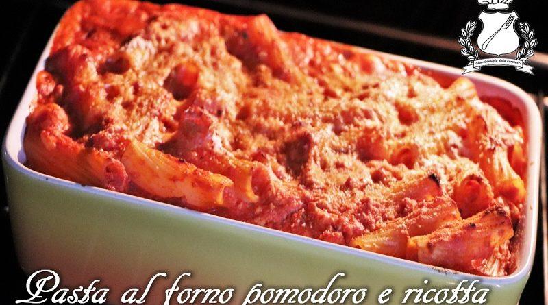 Pasta al forno con sugo di pomodoro e ricotta