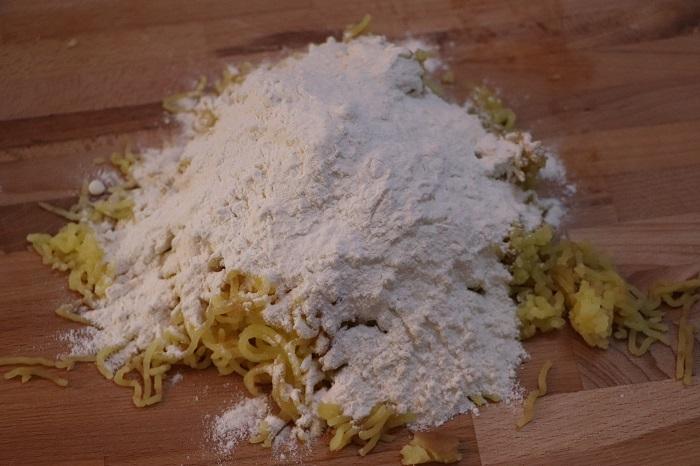 Come preparare gli gnocchi di patate 03