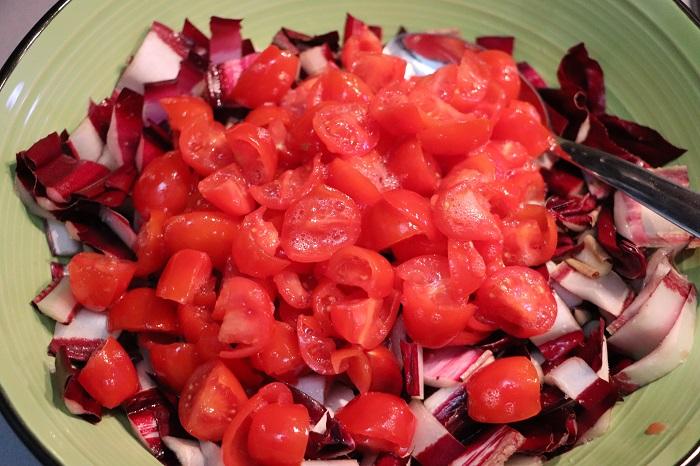 Insalata di radicchio, pomodori e prosciutto cotto 02